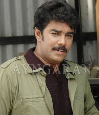 Sundar C injured