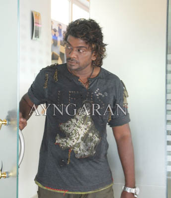 R. Parthiban becomes 'Vithagan'
