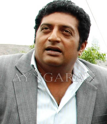 Actor Prakashraj turns director