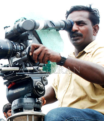 Cinematographer on the sets of Peraanmai