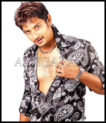 Jiiva plays dual role in Singam-Puli