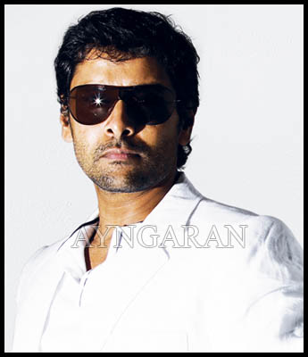 Vikram ready for Vedi from July 15th