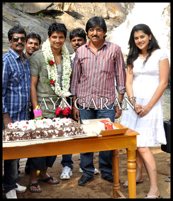 Jiiva celebrates his birthday
