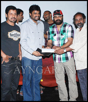 Deiva Thirumaghal special screening held