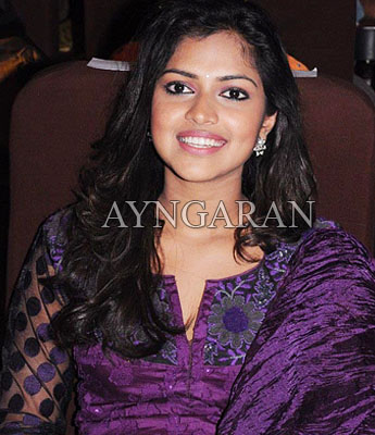 Amala paul signs her first t'wood film
