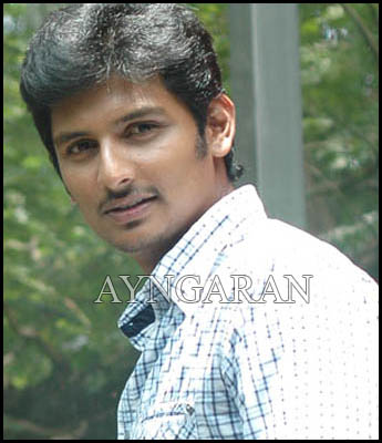 Jiiva has his hands full