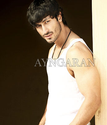 VIDYUT JAMMWAL villain in Billa 2