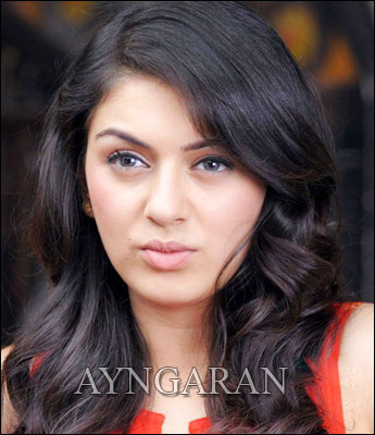 Hansika kicked about her role in Vettai mannan