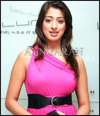 Lakshmi Rai joins Thaandavam team