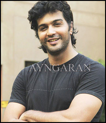 Actor Vinay in Jiiva's film