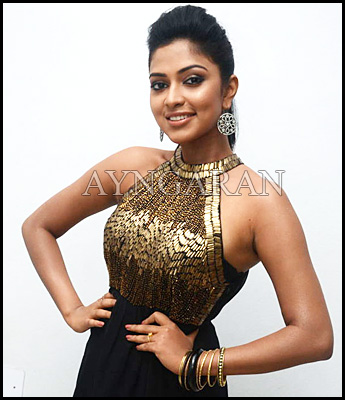 Amala paul to sizzle in Nimrindhu Nil