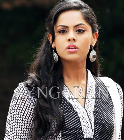 Karthika happy working with super star